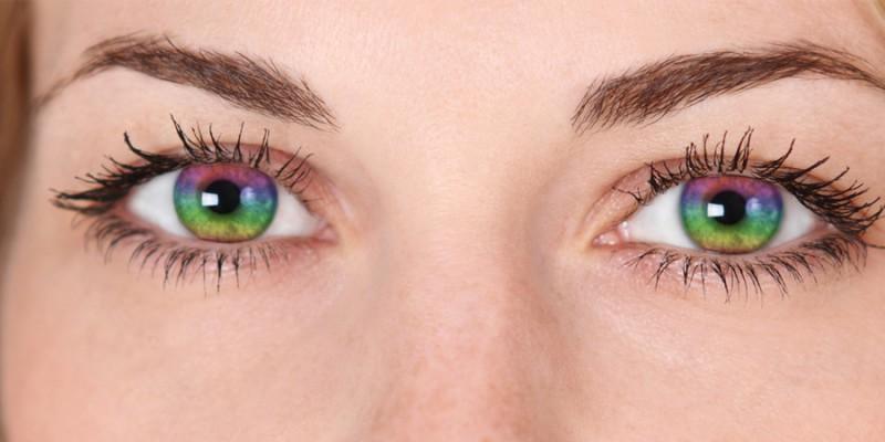 Цветные линзы, пользующиеся популярностью во время Хэллоуина, могут ухудшать зрение.